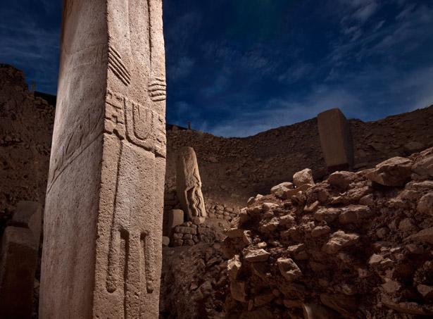 Gobekli-tepe-pillars-615