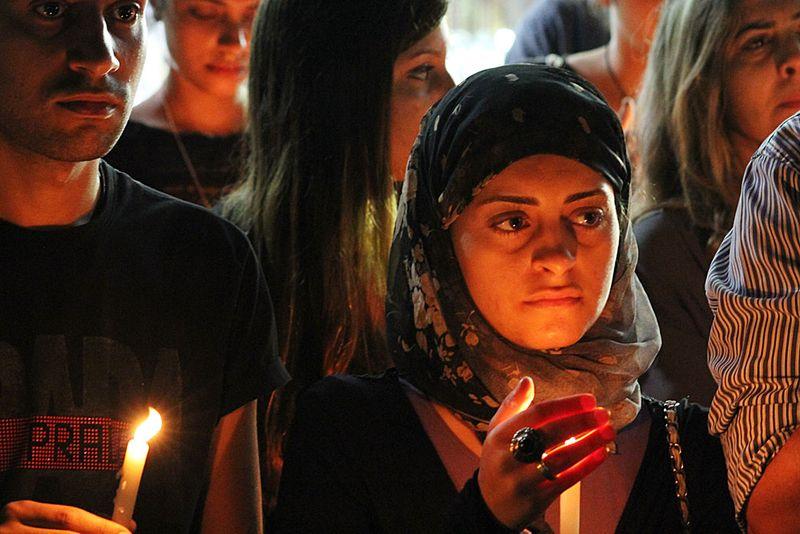 Coptic_vigil_woman