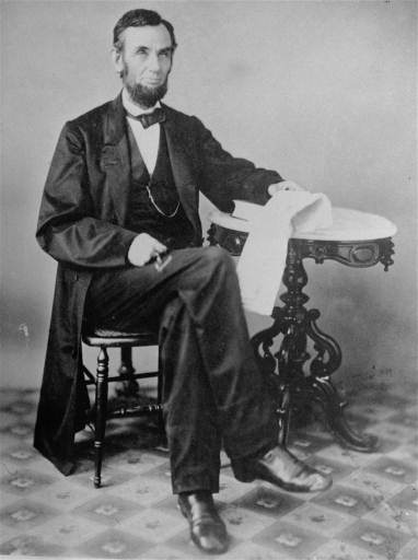 Lincoln_seated