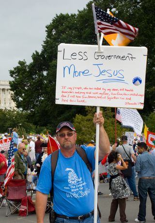 Christian_protestor_at_Tea_march_2009